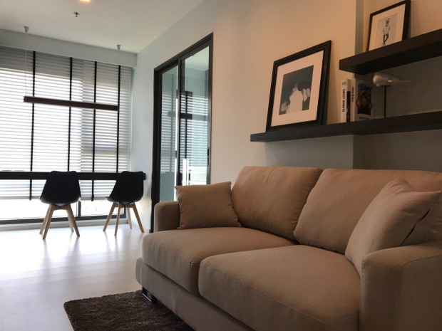BKKMOVE Agency's Rhythm Sukhumvit 36-38 condo for rent well price!! spaious room  1bedroom 1bathroom 35sqm. 1