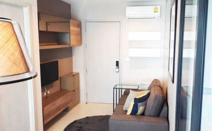 BKKMOVE Agency's Rhythm Sukhumvit 36-38 condo for rent well price!! spaious room 1bedroom 1bathroom 33.45sqm. 1