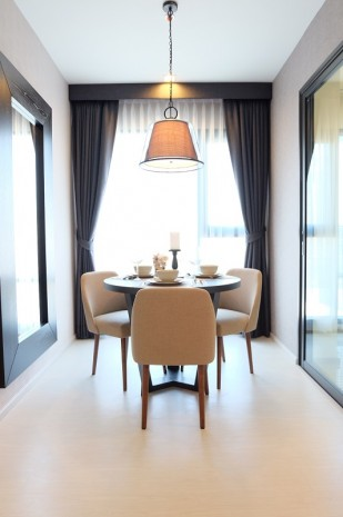 BKKMOVE Agency's Rhythm Sukhumvit 36-38 condo for rent well price!! spaious room 1bedroom 1bathroom 33sqm. 1