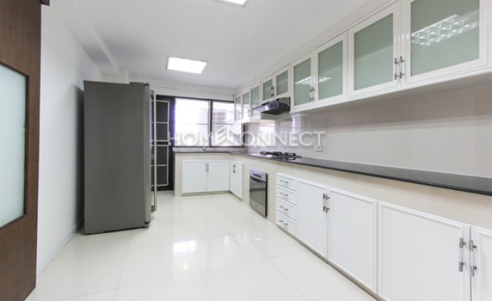 BKKMOVE Agency's 300sqm Nice Three Bedrooms unit has garden view and pool view in big balcony. Apartment to let at Prem Mansion Sukhumvit 12 7