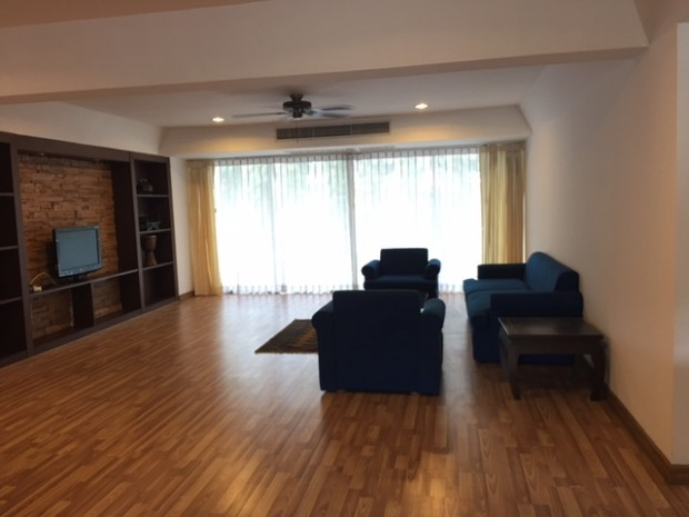 BKKMOVE Agency's 300sqm Nice Three Bedrooms unit has garden view and pool view in big balcony. Apartment to let at Prem Mansion Sukhumvit 12 4