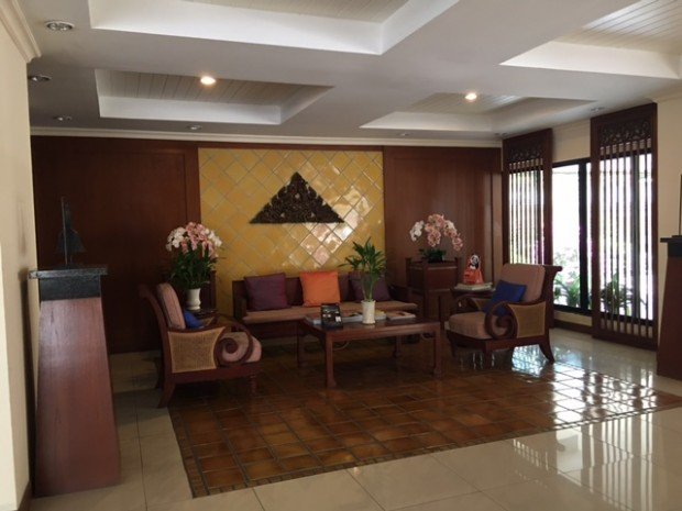 BKKMOVE Agency's 300sqm Nice Three Bedrooms unit has garden view and pool view in big balcony. Apartment to let at Prem Mansion Sukhumvit 12 3