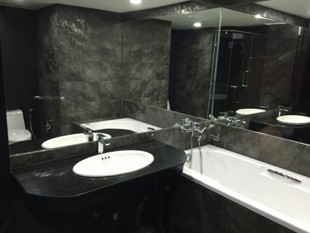 BKKMOVE Agency's 71sqm Spacious, Elegant One Bedroom Condo for SALE 8.6MB all inclusive at Trendy Sukhumvit 13 13