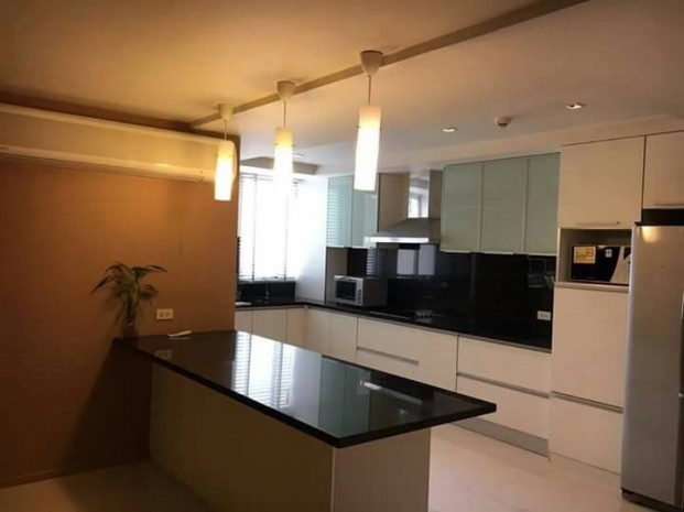 BKKMOVE Agency's 252sqm Good price,3 /4 Bedroom Condo to let at Taiping Tower Ekkamai 5