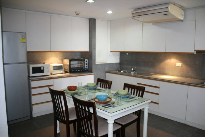 BKKMOVE Agency's 145sqm Low Rise, Private,Beautiful Three Bedroom condo for rent at Taiping tower Eakkamai 9