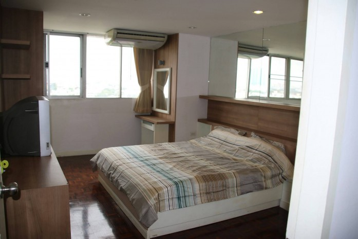 BKKMOVE Agency's 145sqm Low Rise, Private,Beautiful Three Bedroom condo for rent at Taiping tower Eakkamai 1