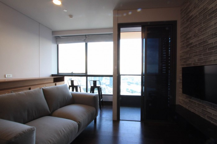 BKKMOVE Agency's 38sqm High Rise, Well price one bedroom for sale with tenant at The Lumpini 24 11