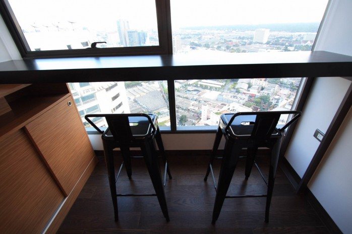 BKKMOVE Agency's 38sqm High Rise, Well price one bedroom for sale with tenant at The Lumpini 24 8