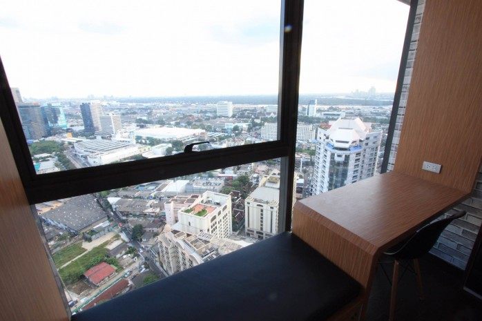 BKKMOVE Agency's 38sqm High Rise, Well price one bedroom for sale with tenant at The Lumpini 24 6
