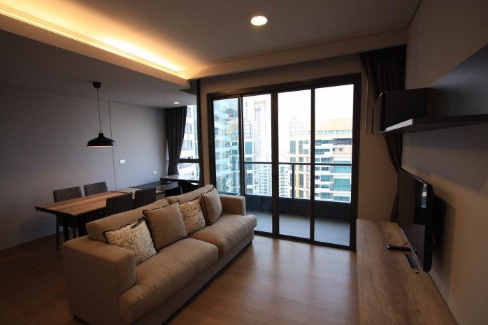 BKKMOVE Agency's 61sqm Modern, Beautiful two Bedrooms high floor beautiful view condo for rent to let at The Lumpini 24 13