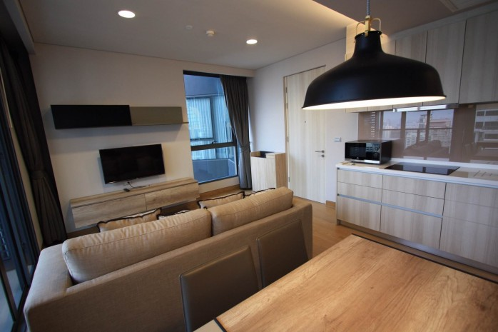 BKKMOVE Agency's 61sqm Modern, Beautiful two Bedrooms high floor beautiful view condo for rent to let at The Lumpini 24 10