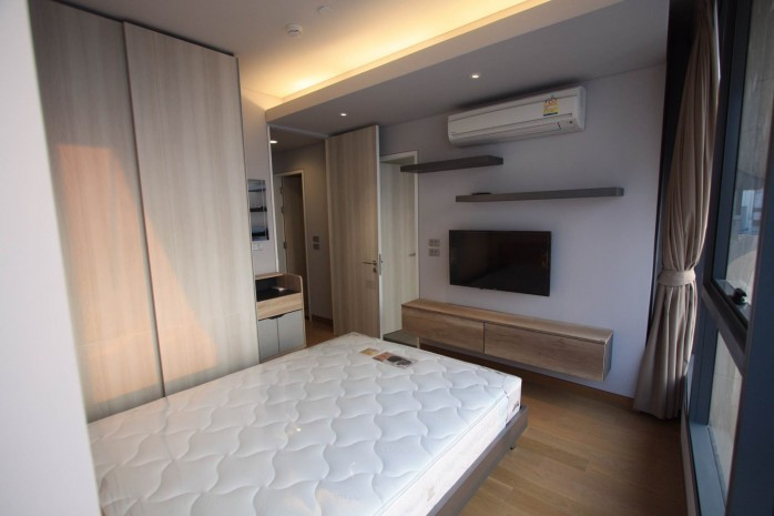 BKKMOVE Agency's 61sqm Modern, Beautiful two Bedrooms high floor beautiful view condo for rent to let at The Lumpini 24 4
