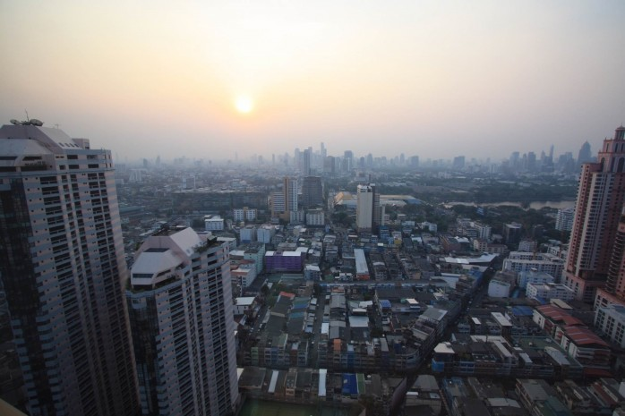 BKKMOVE Agency's 61sqm Modern, Beautiful two Bedrooms high floor beautiful view condo for rent to let at The Lumpini 24 2