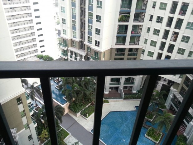 Spacious, Good price 2 bedroom/ 1 bathroom 70 sqm  Condo for rent at Belle Grand Rama 9