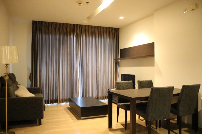 Siri @ Sukhumvit 38  68sqm 2Bed/2Bath  Hight Rise View Pool  Sale 17,400,000 Baht