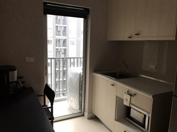 BKKMOVE Agency's 25sqm Well price!! Convenient Pool view 1bedroom 1bathroom for rent at Manor Sanambinnam 4