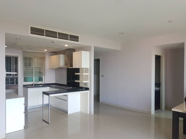 BKKMOVE Agency's Watermark Chaophraya River Condo ,River view low floor 145 sqm 3 bedroom 3 bathroom 1 maid  for sale Well price!! 1