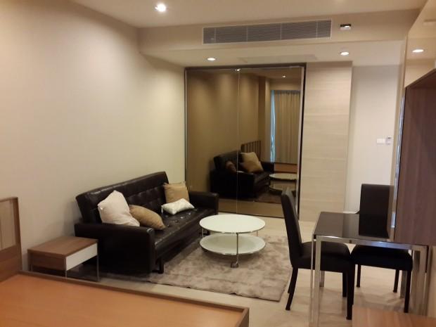 BKKMOVE Agency's The Room Sukhumvit 21 Condo ,Hight floor 36sqm Studio room 1 bedroom 1 bathroom fuily furnsh for rent well price! 2