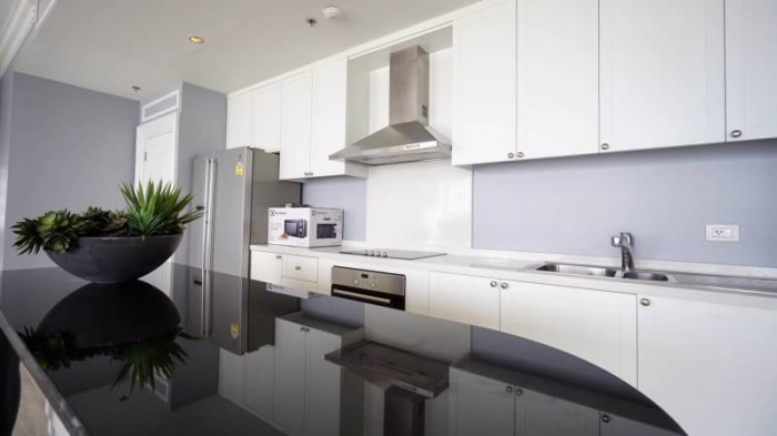 BKKMOVE Agency's The Emporio Place Luxury Penthouse Sukhumvit 24, top floor 3 beds/4 bath 170sqm(2 master bedrooms with bathtab come with his & her washbasin and walkin closet) 7