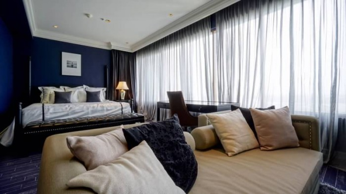 BKKMOVE Agency's The Emporio Place Luxury Penthouse Sukhumvit 24, top floor 3 beds/4 bath 170sqm(2 master bedrooms with bathtab come with his & her washbasin and walkin closet) 6