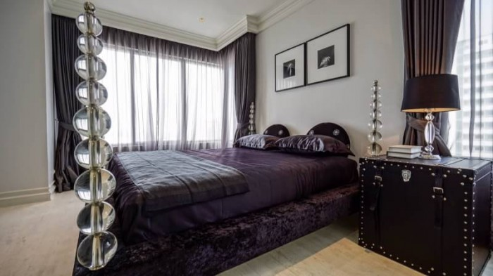 BKKMOVE Agency's The Emporio Place Luxury Penthouse Sukhumvit 24, top floor 3 beds/4 bath 170sqm(2 master bedrooms with bathtab come with his & her washbasin and walkin closet) 2