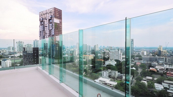 BKKMOVE Agency's Rhythm Sukhumvit 36-38 Brand new Very high floor  great view and openness fully Furnished with all amenities 88 sqm 2 bedroom 2 bathroom for rent well price!! 3
