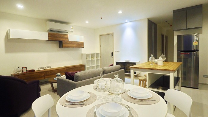 BKKMOVE Agency's Rhythm Sukhumvit 36-38 Brand new Very high floor  great view and openness fully Furnished with all amenities 88 sqm 2 bedroom 2 bathroom for rent well price!! 7