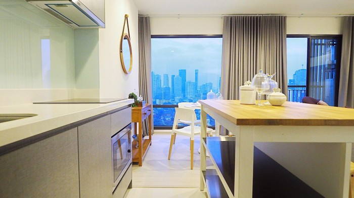 BKKMOVE Agency's Rhythm Sukhumvit 36-38 Brand new Very high floor  great view and openness fully Furnished with all amenities 88 sqm 2 bedroom 2 bathroom for rent well price!! 12