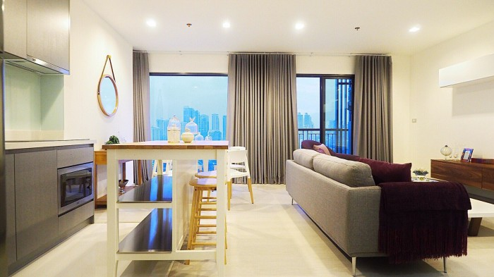 BKKMOVE Agency's Rhythm Sukhumvit 36-38 Brand new Very high floor  great view and openness fully Furnished with all amenities 88 sqm 2 bedroom 2 bathroom for rent well price!! 9