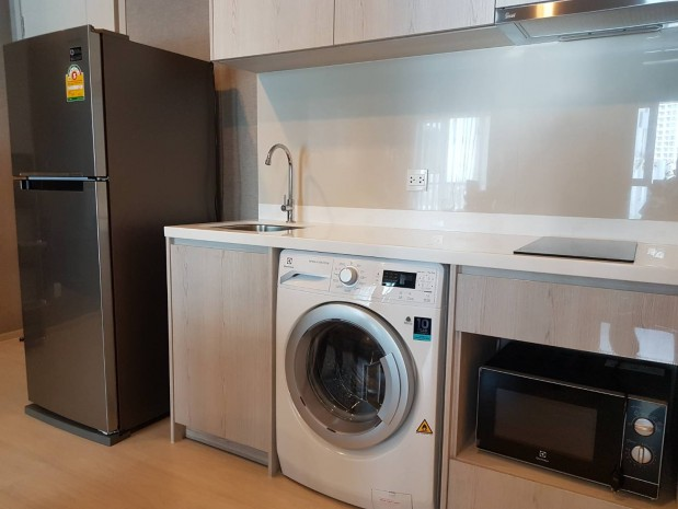 BKKMOVE Agency's Life Sukhumvit 48 47 sqm 2 bedroom 2 bedroom Corner unit with unobstructed views Great facilities Available now for rent!! 4