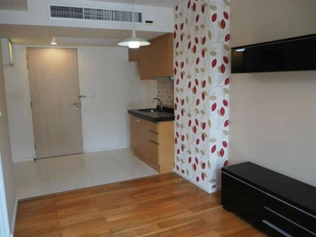 BKKMOVE Agency's Focus on Saladang 34.28 sqm 1 bedroom 1 bathroom ready to move in fully furnished for sale Well price!! 3