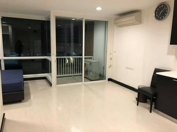 BKKMOVE Agency's D 65 condo Convenient 35 sqm 1 bedroom 1 bathroom ready to move in fully furnished for rent Good price!! 4