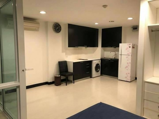 BKKMOVE Agency's D 65 condo Convenient 35 sqm 1 bedroom 1 bathroom ready to move in fully furnished for rent Good price!! 5